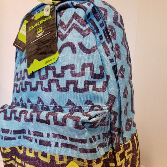 3cb6c4f0a2f1d Dakine Backpack Tribe 21 L New With Tags